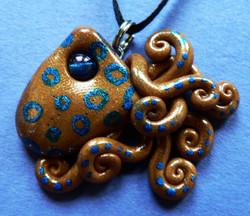 blue_ringed_octopus_mini_charm_by_blackmagdalena-d4bevjj
