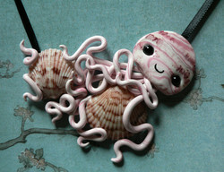 calico_scallop_hoarding_jellyfish_necklace_by_blackmagdalena-d4icri1