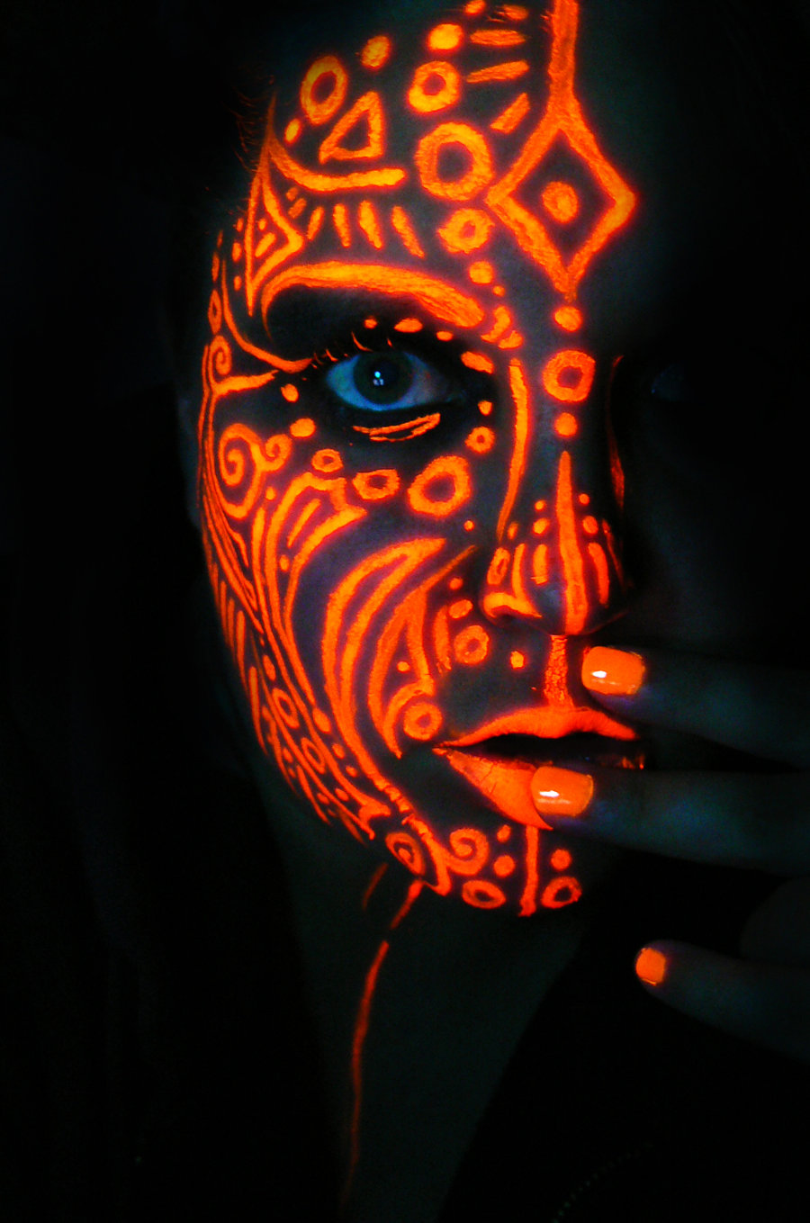 neon_queen_of_orange_by_blackmagdalena-d5gx4ik