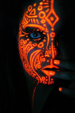 neon_queen_of_orange_by_blackmagdalena-d