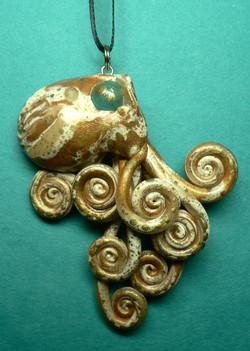 golden_blonde_octopus_necklace_by_blackmagdalena