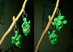 poisonous_octopus_earrings_by_blackmagdalena