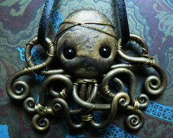 gold_wire_wrapped_octopus_by_blackmagdalena-d4o13gp