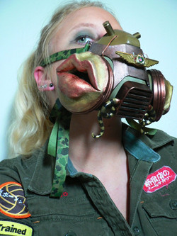 nightmare_gas_mask_modeled_by_blackmagdalena-d30feec