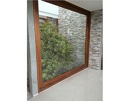 ventanal-termopanel-y-cedro-212147.jpg