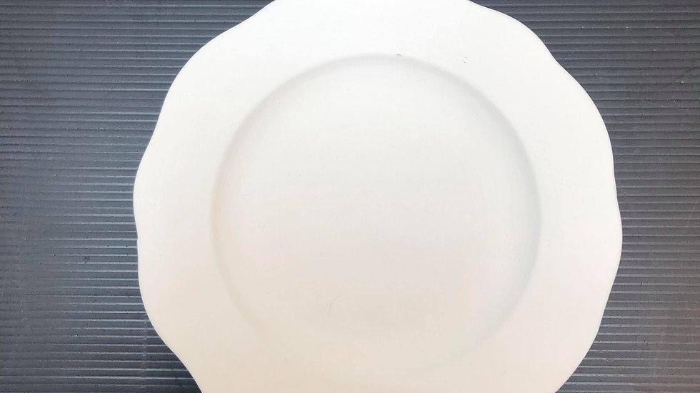 Flower shaped plate