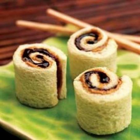 Sushi rollos de crema de cacahuate y mermelada
