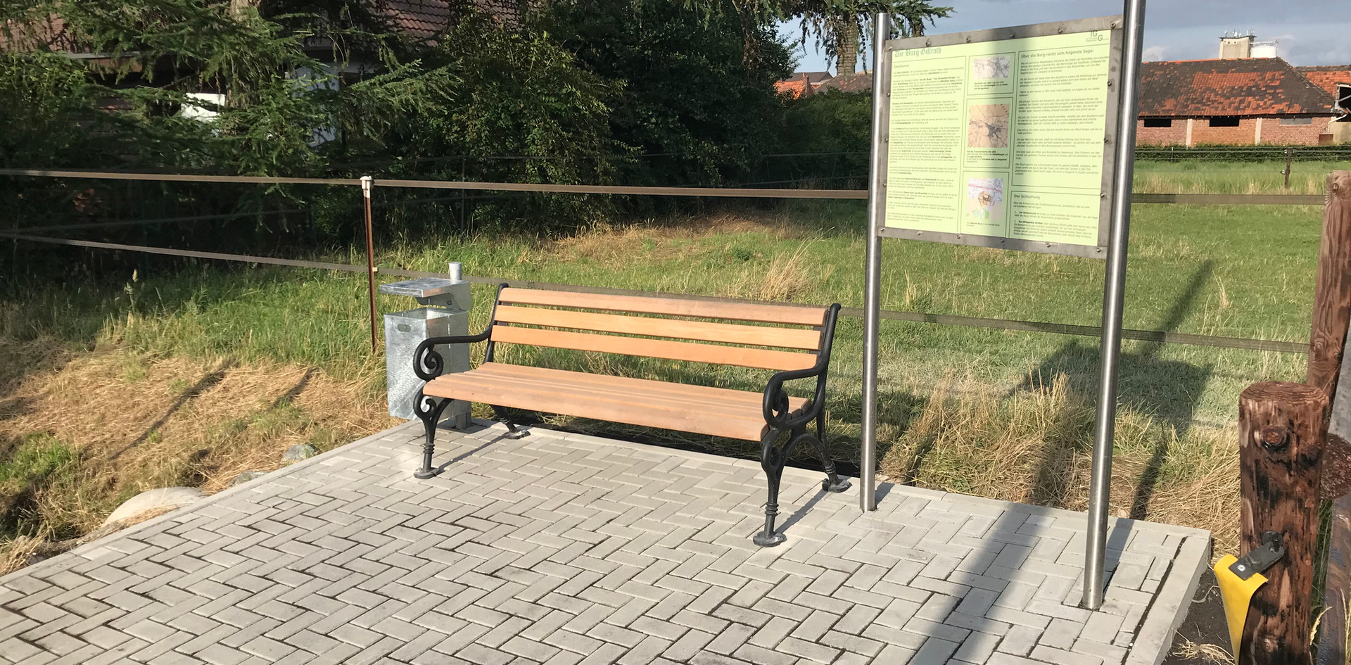 Burgplatz-2