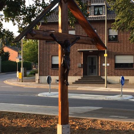 Altes Wegekreuz findet neuen Platz