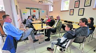 Langfristig ist ein Jugendzentrum als Treffpunkt in Planung