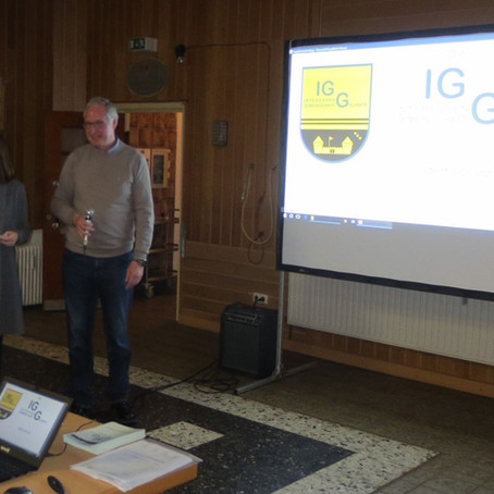 Präsentation der IGG bei Kaffee und Kuchen