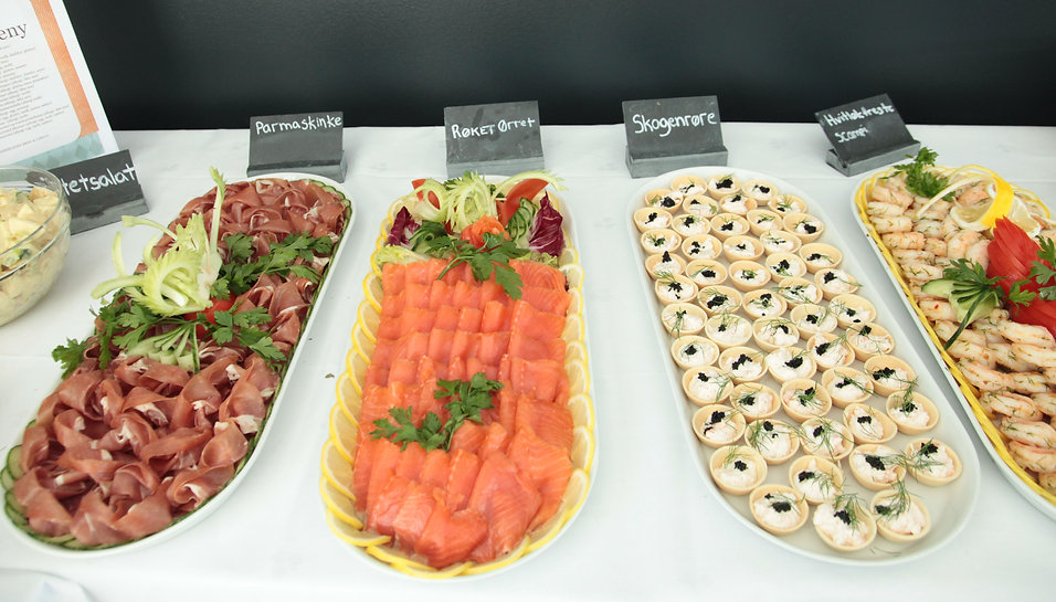 Gourmetbuffet i Debystuen inkl hummer og champagne
