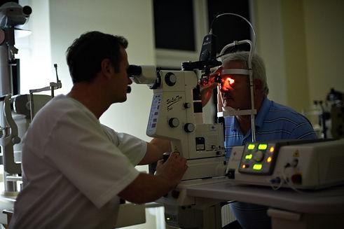 retinopatia surowicza leczenie laserem