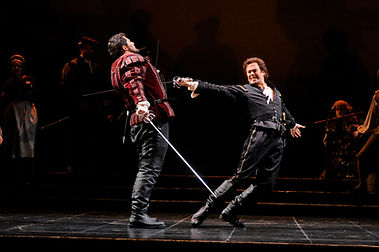 Vale Rideout as Roméo in Kentucky Opera's production of Roméo et Juliette