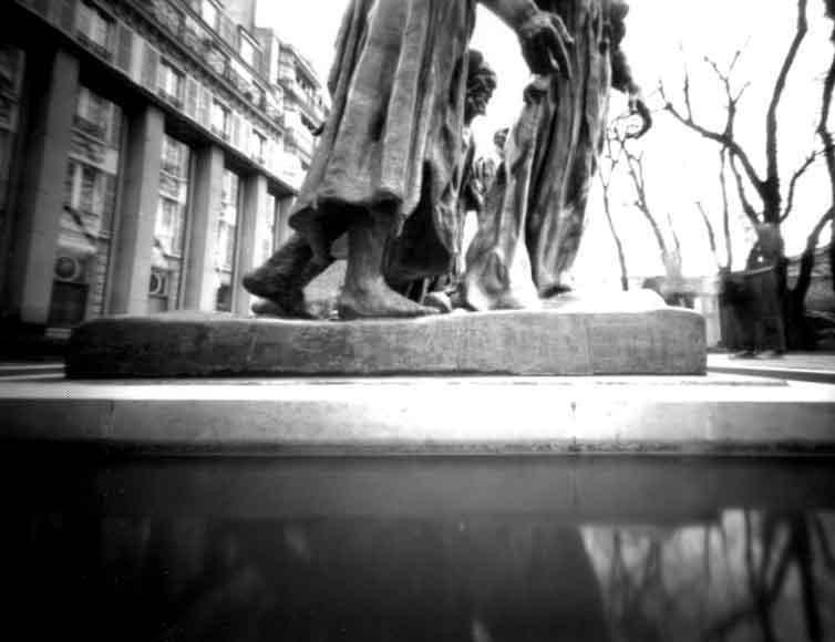 Statue-Paris.jpg