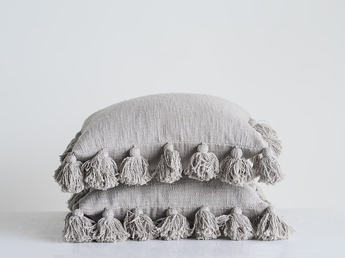 "18"" Woven Slub Tassel Pillow"