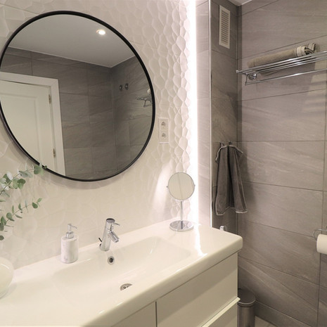 Bathroom with LED-light panels.JPG