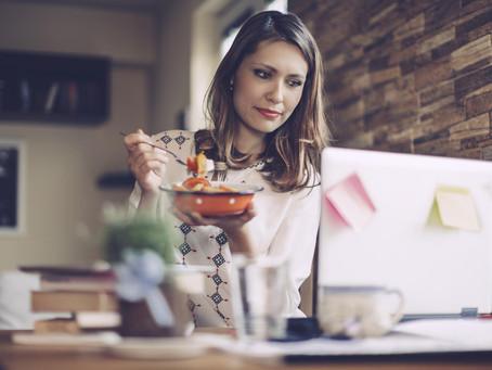 Quoi manger pour une bonne humeur au travail?
