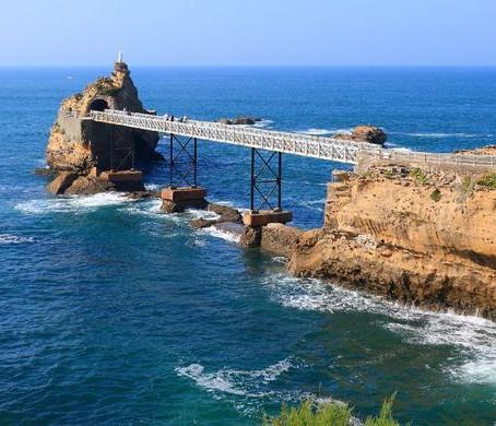 Le Rocher de la Vierge, monument incontournable de Biarritz !