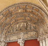 Tympan de l'église Notre-Dame, Dijon