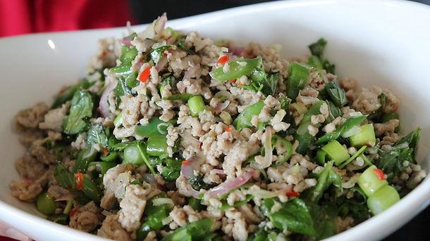 Thai Spicy Mince Pork Salad | Larb Moo