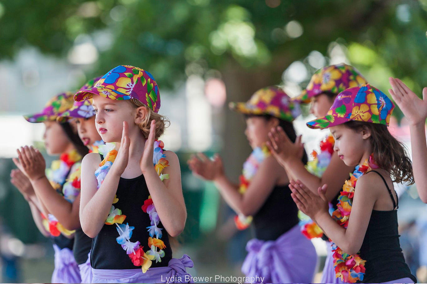 SunshineFromPolynesia-young-dancer_flower-hats