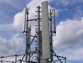 1024px-GSM_base_station_4.jpeg