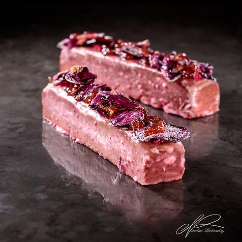 rose strawberry travel cake.jpg