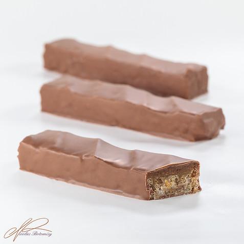 milk chocolate bar.jpg