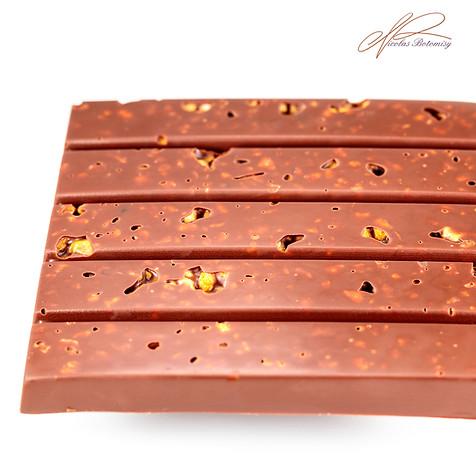 tablette chocolat lait amande.jpg