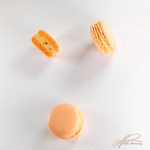 orange macaron copie.jpg