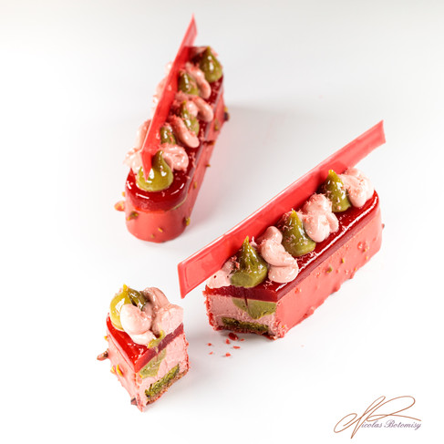 finger strawberry pistachio.jpg