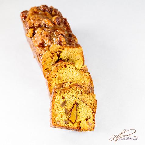 pistachio yuzu cake sliced.jpg