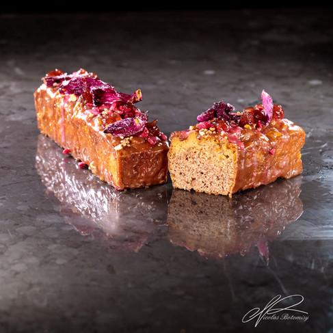 rose travel cake.jpg