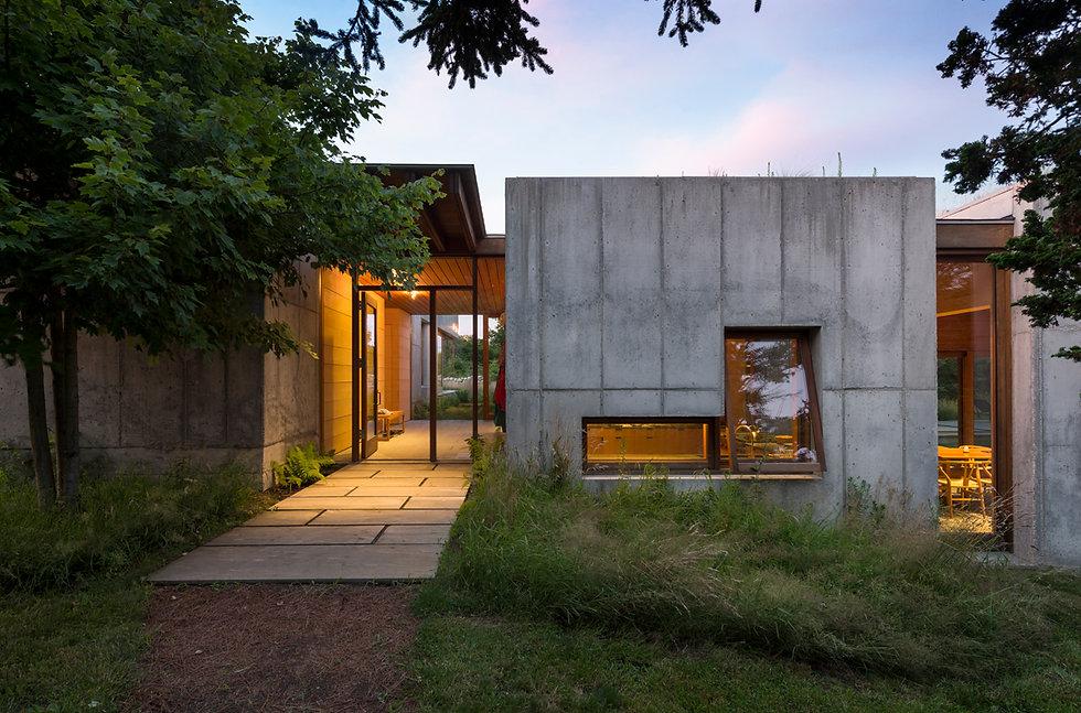 151009 Chuck Choi East House Exterior.jp