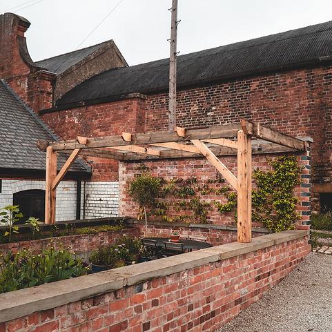 reclaimed-timber-pergola-nottingham.jpg