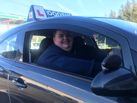 Simon joins our driving school team.