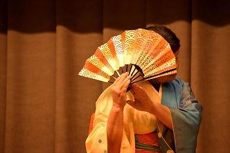 藤間流の日本舞踊稽古処をはじめ、日本舞踊教室によって流派の違いがあります。