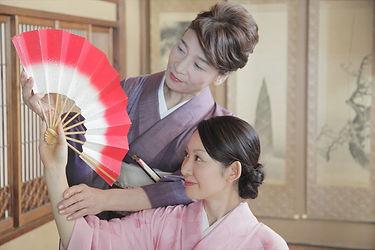 礼儀作法・所作・扇子など日本舞踊のお稽古内容