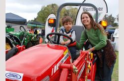 BSFFD-Mum-Son-Tractor