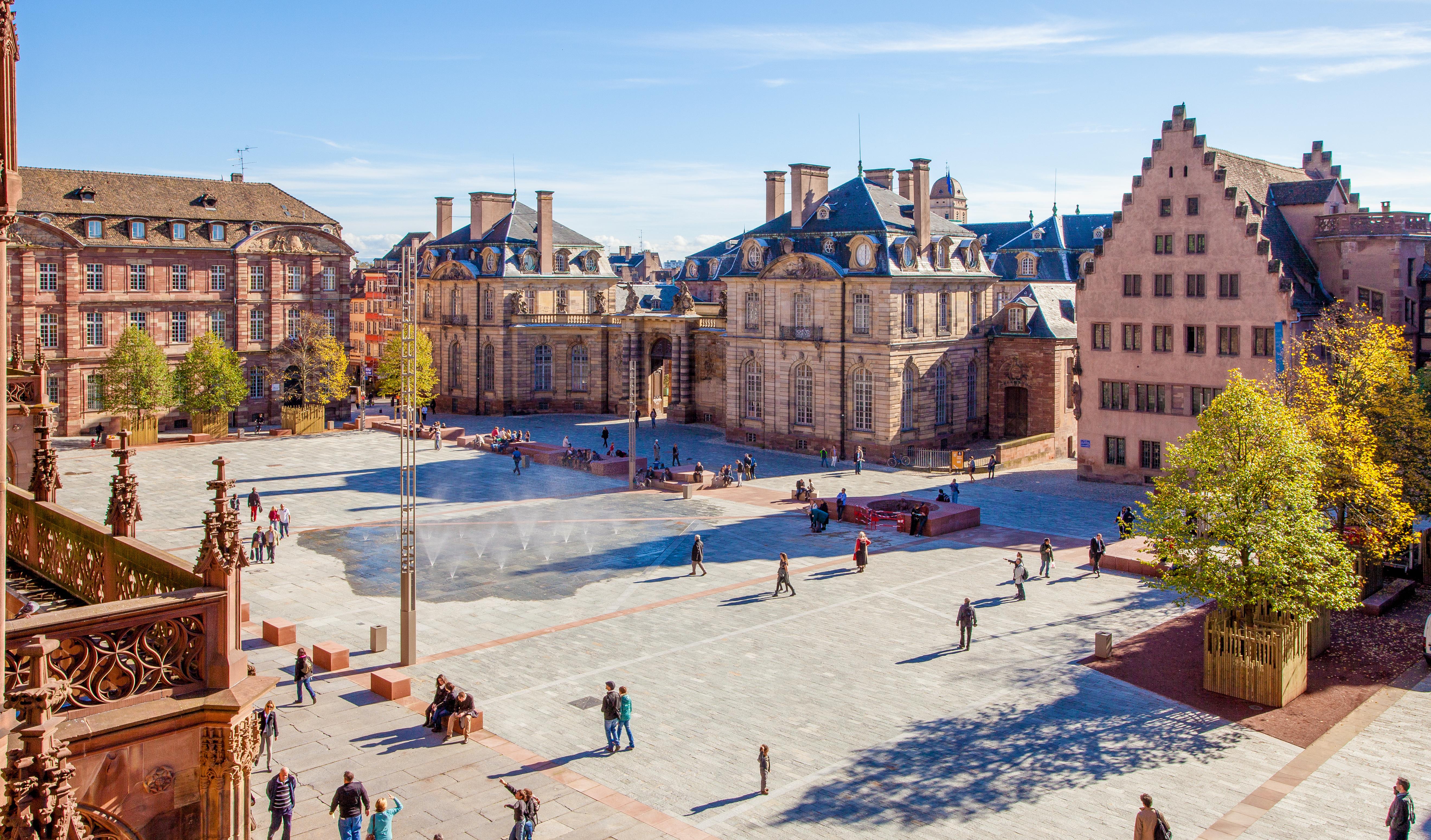 OTSR__Strasbourg_-_Place_du_chateau_©_Philippe_de_Rexel