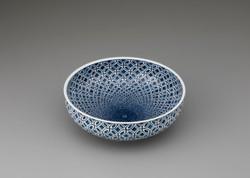 「七宝繋紋鉢」