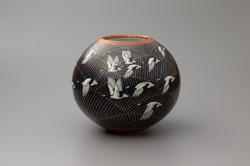 「波上翔鶴図花瓶」