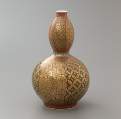金緑彩七宝繋紋瓢花瓶