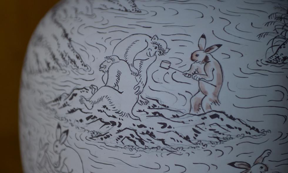 鳥獣戯画図花瓶