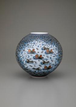 「木蓮におしどり図花瓶」