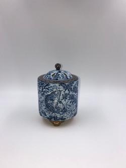 「飛龍河鯉之図香炉」