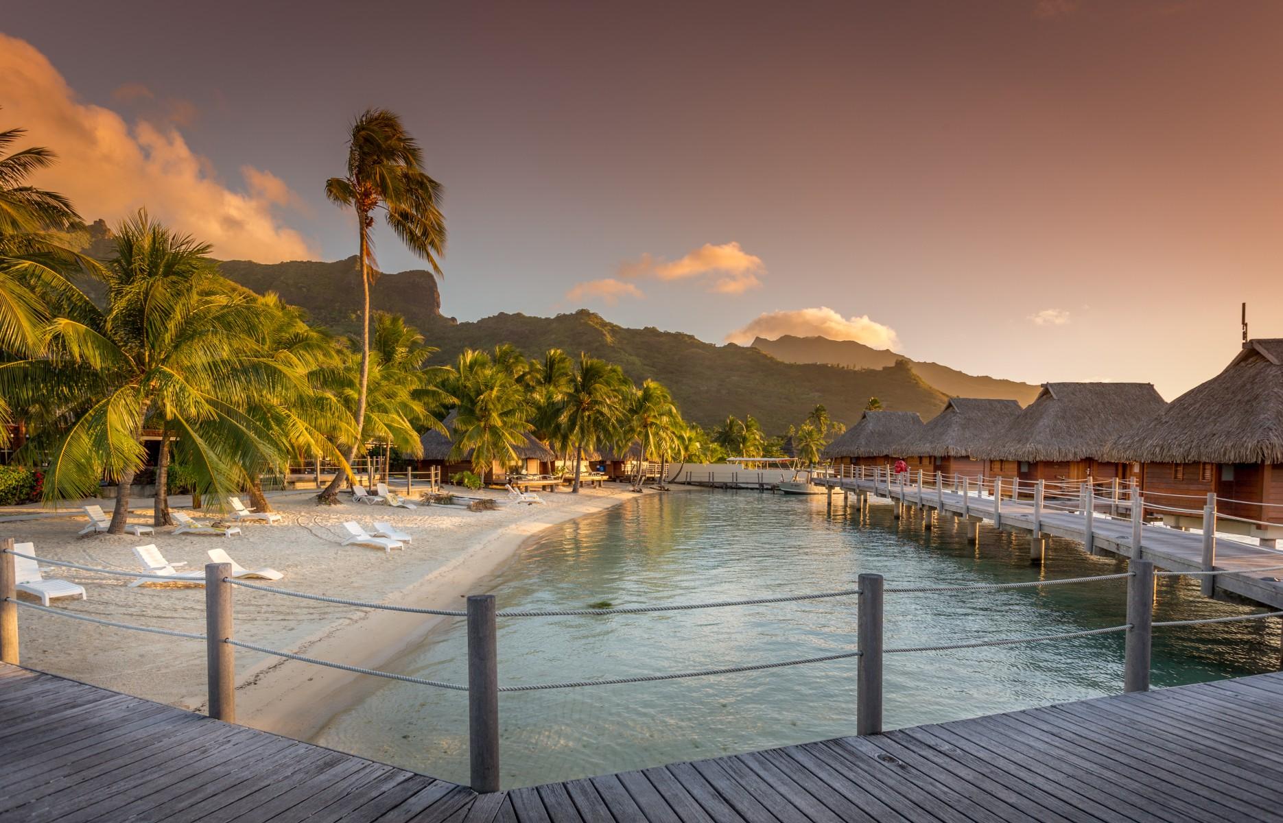 Manava Beach Resorts Mo'orea