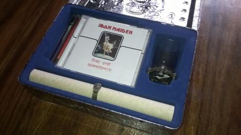 Eddie's Archive - CD Box (Sisältä/Inside)