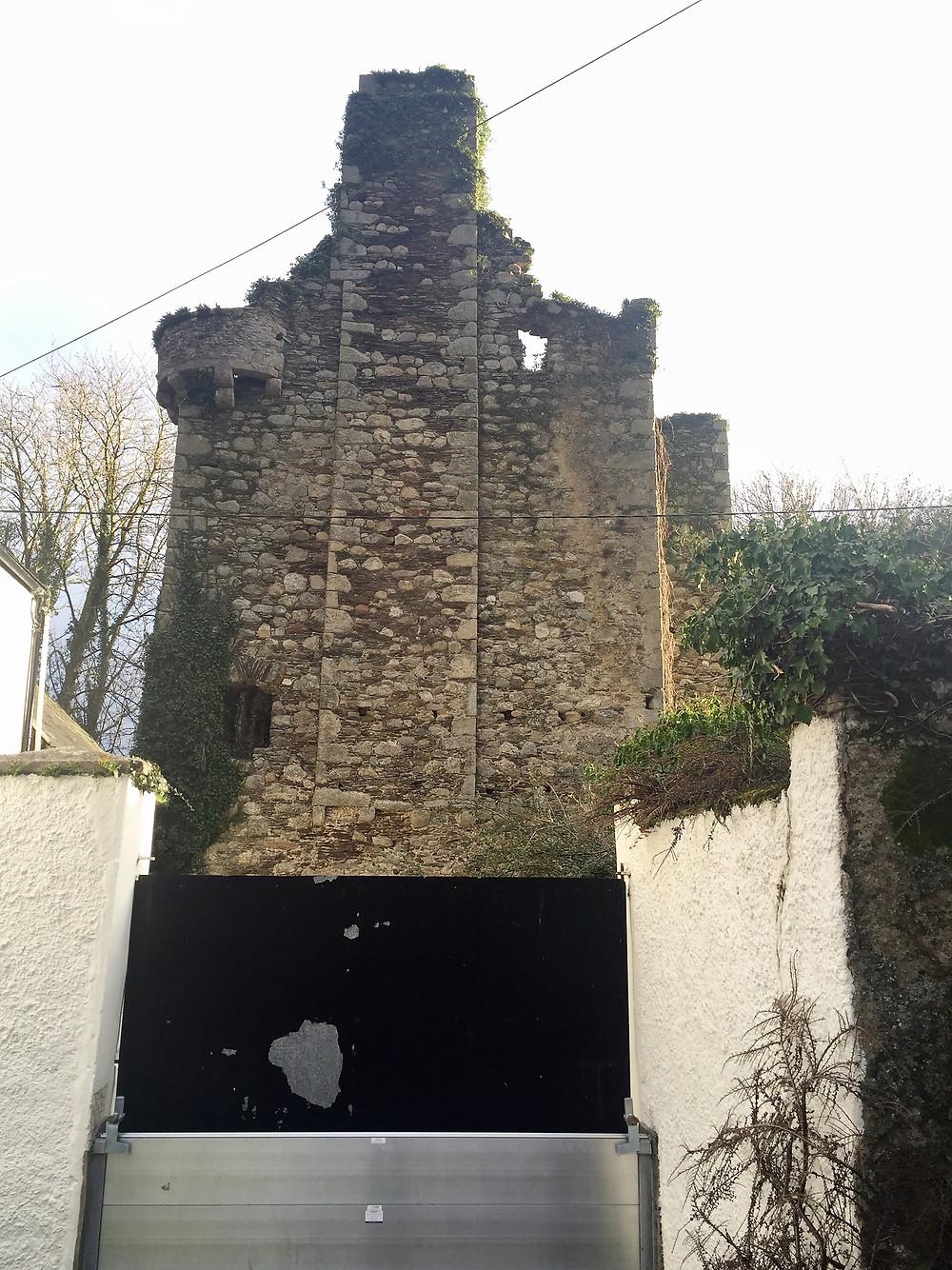 Tinnahich Castle